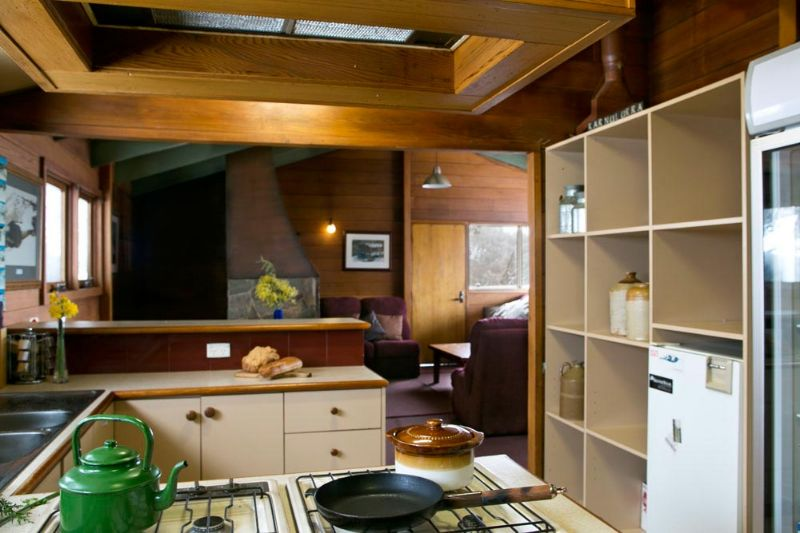 Karnulurra Ski Lodge Fully Equipped Kitchen
